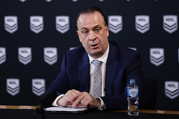 Article image for Peter V'Landys says crowds should be allowed at the NRL tonight