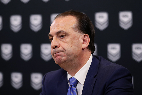 Article image for Peter V'landys says NRL club will be punished after player's reporter kiss