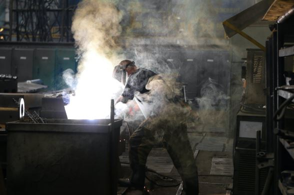 Article image for 'We're doing such a poor job': Fight to bring manufacturing home heats up