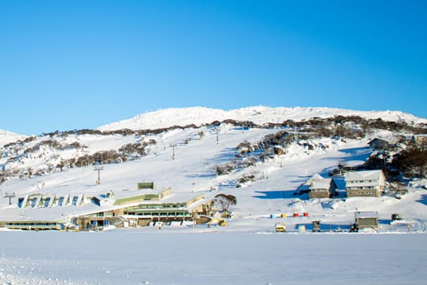 Article image for Perisher coronavirus mystery baffles health officials