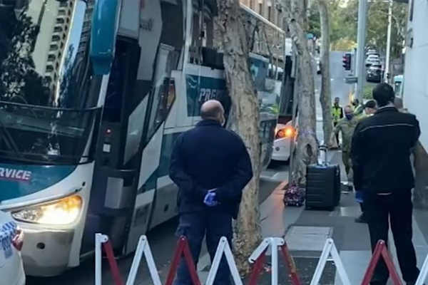 Hundreds of travellers evacuated from Sydney quarantine hotel