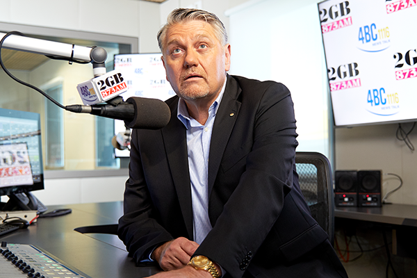 'Pull your head in!': Ray Hadley blasts federal MP over ICAC scorn