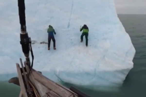 Article image for WATCH | Arctic explorers thrown into freezing sea lucky to survive