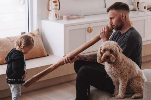 Warren Mundine responds to outrage over influencer's didgeridoo gift