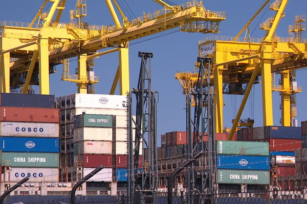 Port Botany refuses to kowtow to union's 'jobs for mates' demands