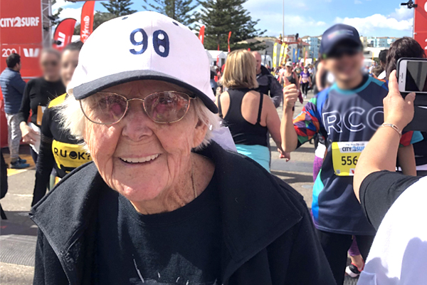 Article image for The 99-year-old walking the City 2 Surf