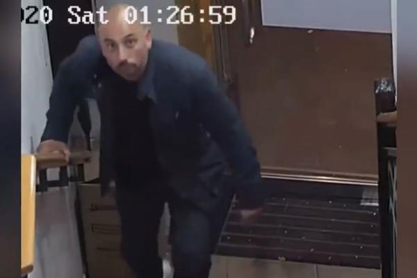 Brazen thief caught on camera stealing from Sydney restaurant