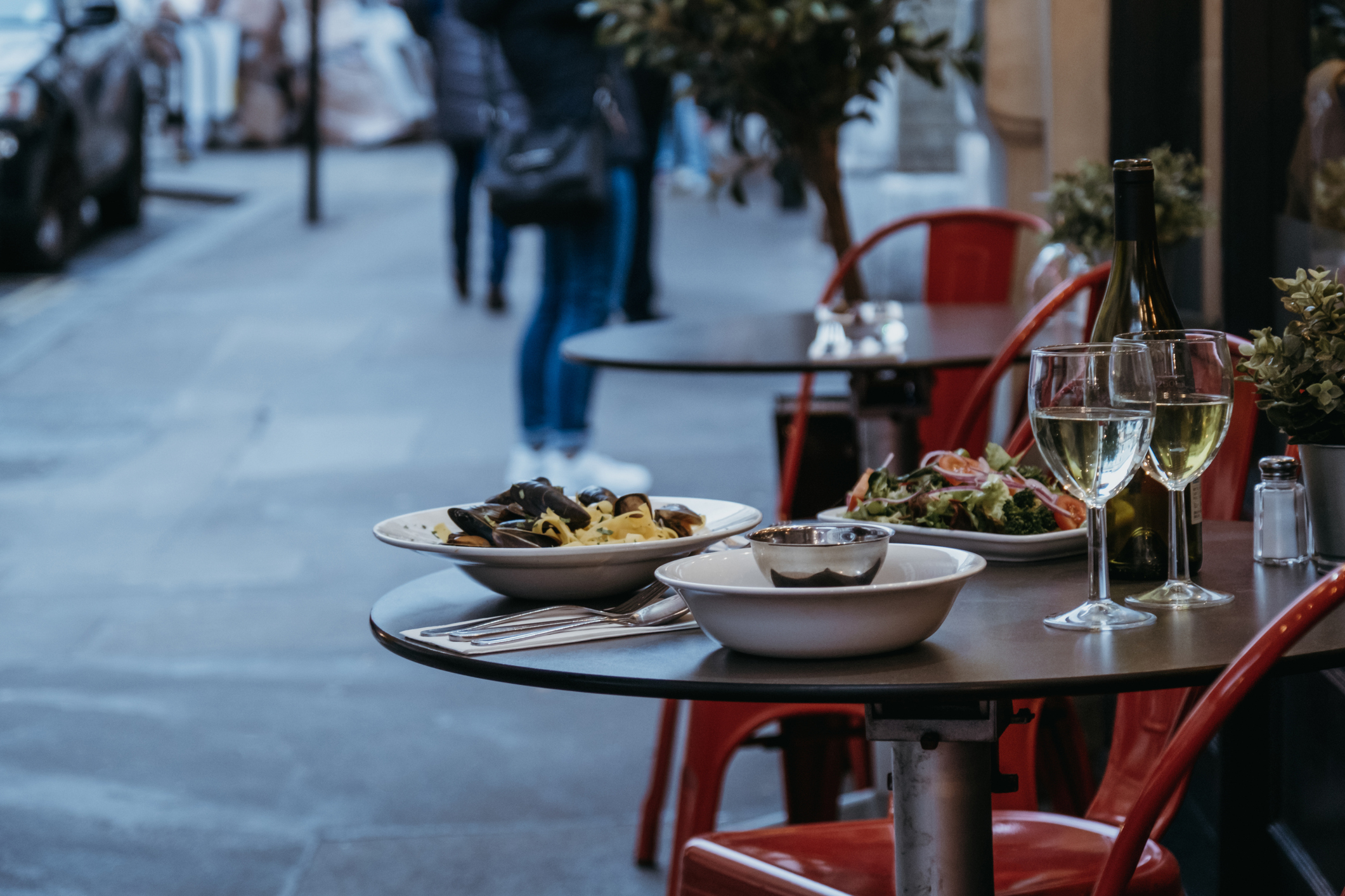 Article image for Council provides free al fresco dining spaces to small businesses