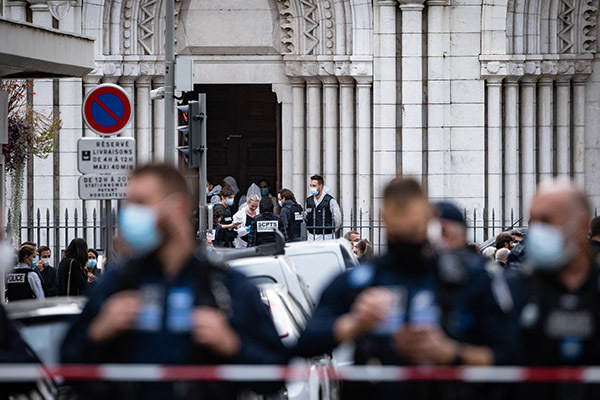 Article image for Scott Morrison condemns 'cowardly' terror attack after three killed in French church