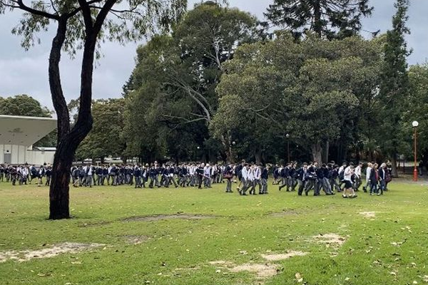 Article image for HSC students relocated 'quickly and seamlessly' after copycat bomb hoax