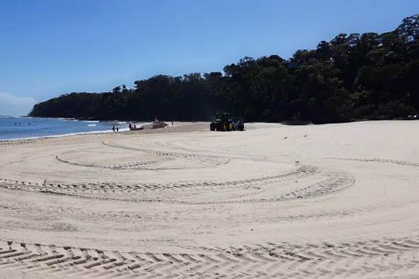 Beach cleanup Noosa FB 600x400