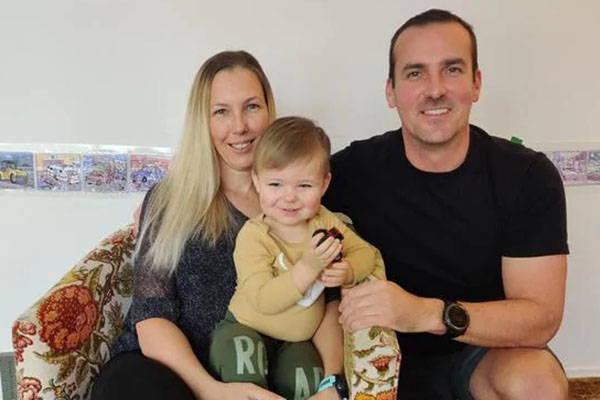 Article image for Young family quoted $27,000 to fly back home to Australia