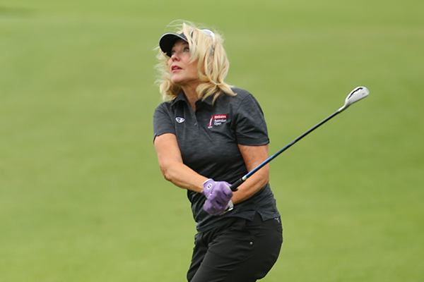 Avid golfer Kerri-Anne Kennerley goes on the warpath against Clover Moore