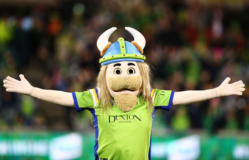 'Victor the Viking' moved to tears by Canberra Raiders legend's kind words