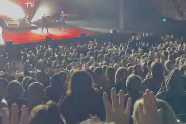 Article image for 'Jam-packed' concert crowds raise questions over 'odd and inconsistent' rules