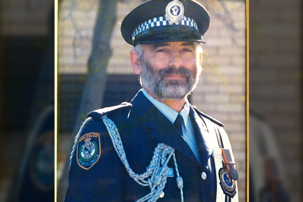 Article image for Police officer of four decades says farewell to historic post