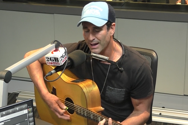 How an enigmatic three-year-old stole Pete Murray's show