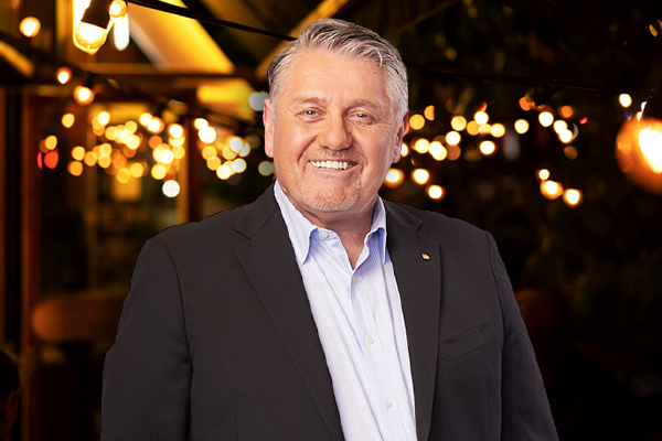 Ray Hadley lines up line dancing through the open line