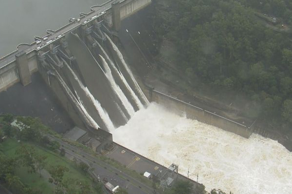 Minister assures Warragamba Dam to be raised amid overflowing