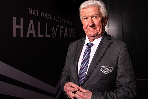 Ray Warren surprised on-air by offer to replace stolen Hall of Fame ring