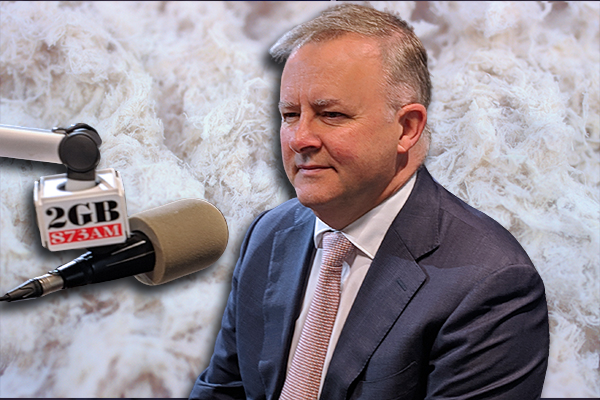 Article image for Labor leader vows to seek justice for abandoned asbestos victims