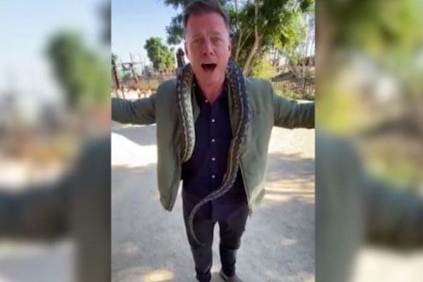 Article image for WATCH   Ben Fordham overcomes lifelong fear at Sydney Zoo