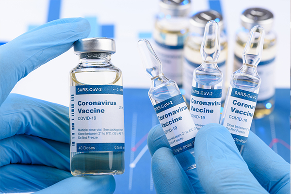 Article image for Government and health union clash over mandatory COVID vaccination proposal