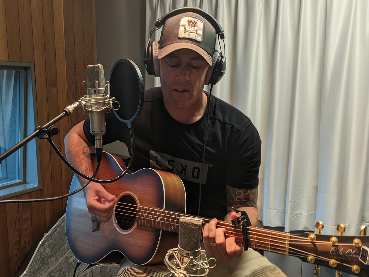 How country pop-rocker Casey Barnes found his genre-blending 'edge'