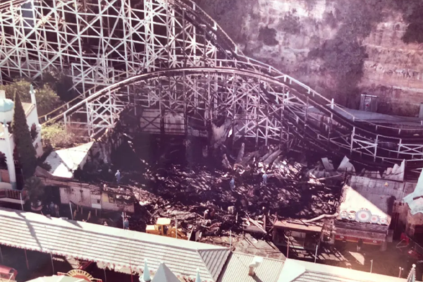 Article image for Minister 'banging on doors' in search of support for Luna Park fire inquiry
