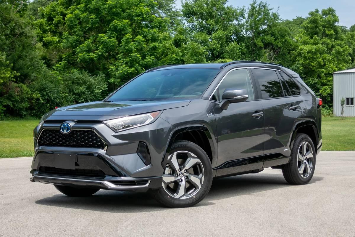 Car market running hot despite stock shortages