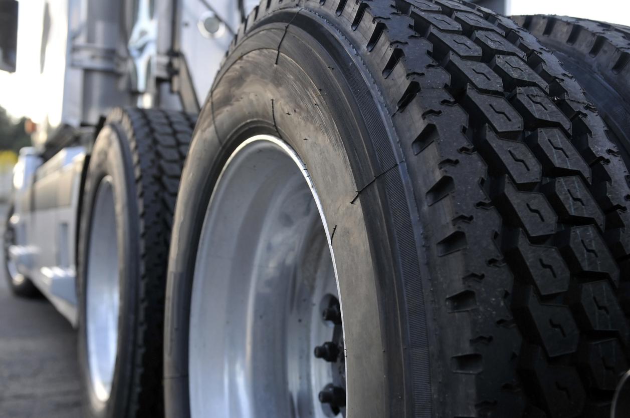 Man found dead beneath parked truck in south Sydney