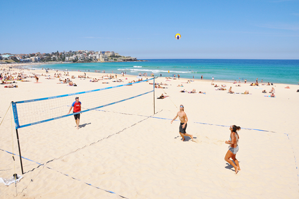 Article image for Bondi residents suggest volleyball be banned for beachgoers