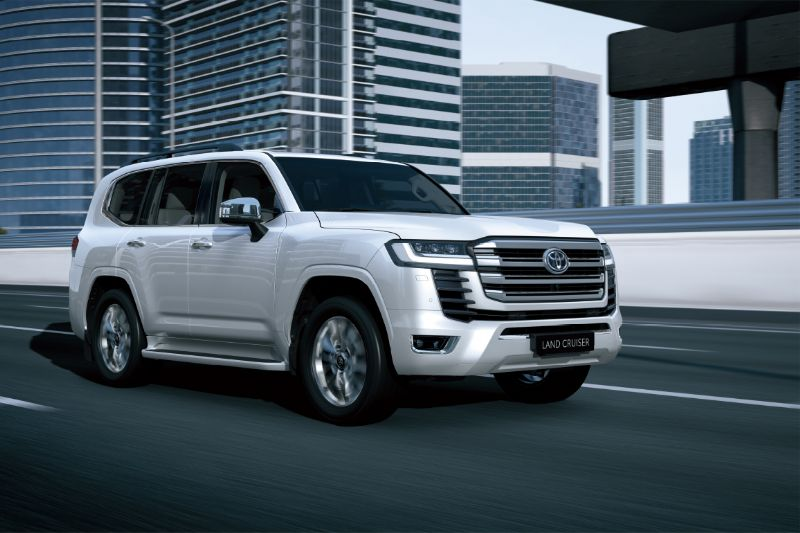 Toyota's LandCruiser 300 series finally out of the bag