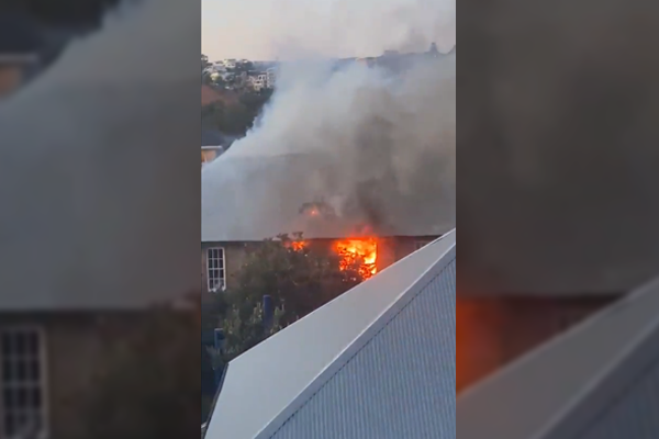 Article image for Bondi Beach Public School ablaze, 50 firefighters on scene