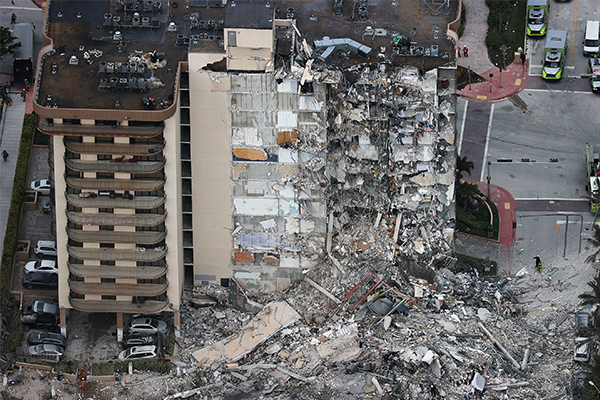 Article image for Almost a hundred people missing after Miami building collapses