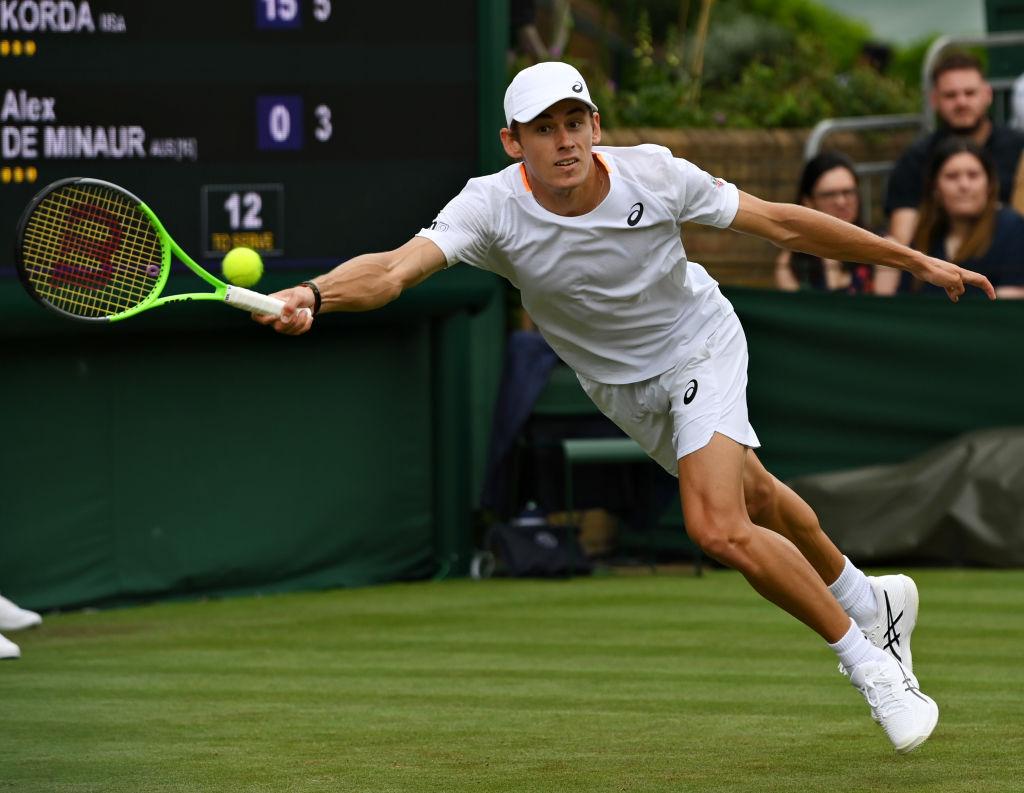 Article image for Australian tennis star Alex de Minaur tests positive to COVID-19
