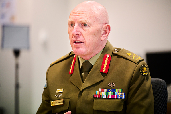 Article image for Lieutenant General says under 40s 'need to make decision now' on AstraZeneca