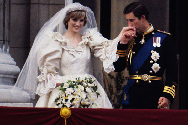 Royal photographer addresses claims about his relationship with Princess Diana