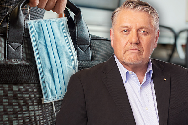 Fix this now: Ray Hadley uncovers 'absurd' mask exemption rule