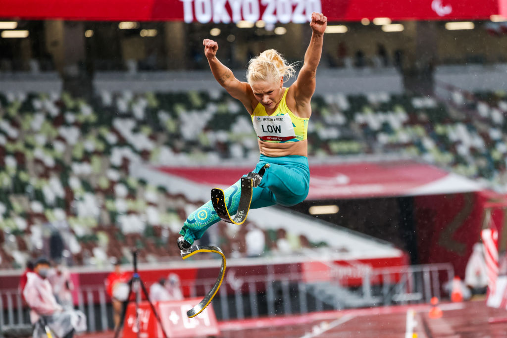 Article image for Paralympic power couple celebrate world record-breaking golden run
