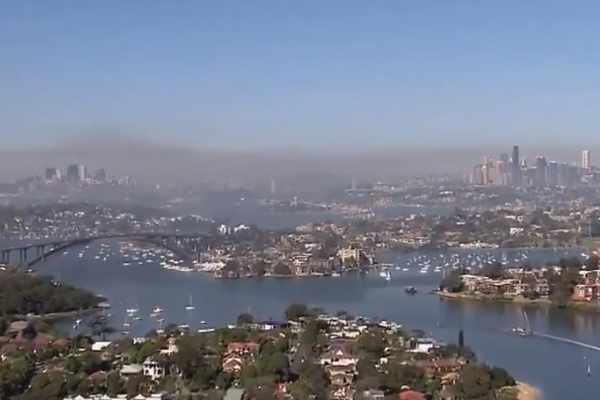 Article image for Hazard reductions cause Sydney air quality to plummet as RFS seize 'open window'