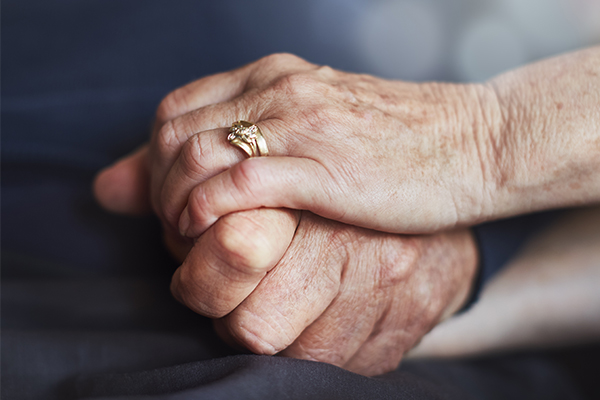 Article image for Retired nurse shares mother's pain as parliament tackles assisted dying