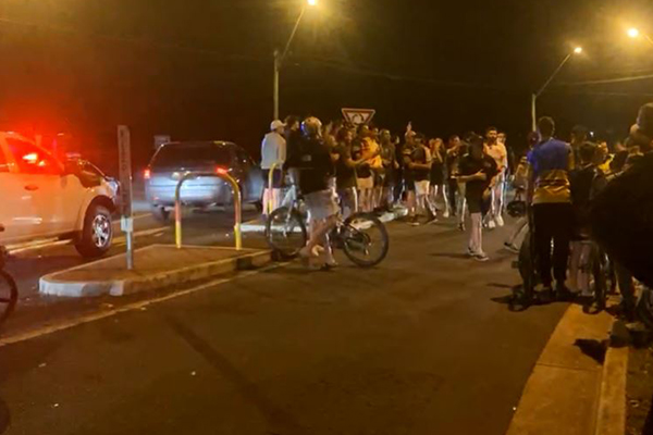 Article image for Grand Final victory: Live scenes as Penrith Panthers fans take to the streets
